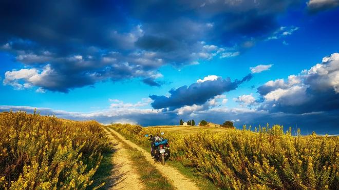 Chàng trai phượt bằng xe máy từ Việt Nam, vượt 20 nghìn km qua 23 quốc gia trong 150 ngày - Ảnh 18.