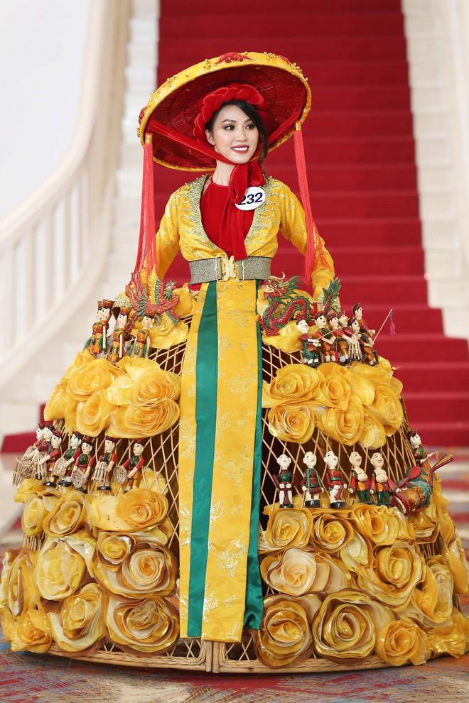 Hoa hậu Hoàn vũ Việt Nam tập 2: Thái độ vô kỷ luật của Mai Ngô gây ức chế - Ảnh 23.