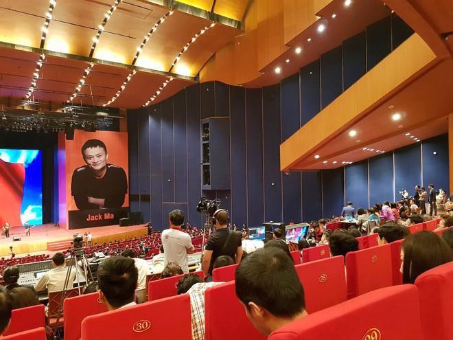 Jack Ma sẽ nói gì với sinh viên Việt Nam chiều nay? - Ảnh 2.