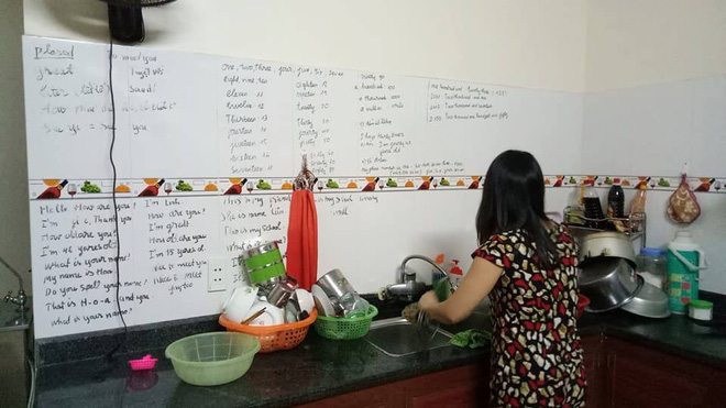 Về nhà, con gái giật mình khi thấy những bức tường chi chít chữ viết của mẹ - ảnh 4