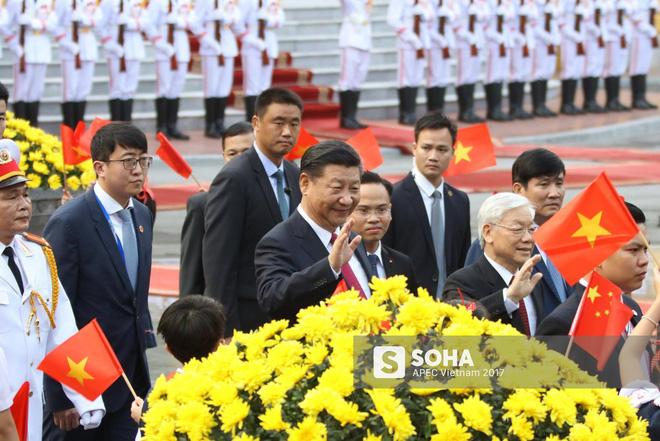 Nhận diện gương mặt đặc biệt trong đội cận vệ tinh nhuệ theo ông Tập sang thăm Việt Nam - Ảnh 2.