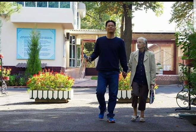 30 năm xa cách và cuộc gặp cảm động giữa người đàn ông Việt với mẹ nuôi người Nga - Ảnh 2.