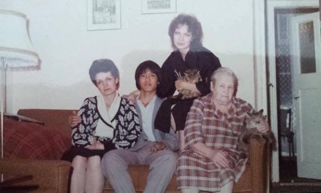 30 năm xa cách và cuộc gặp cảm động giữa người đàn ông Việt với mẹ nuôi người Nga - Ảnh 1.