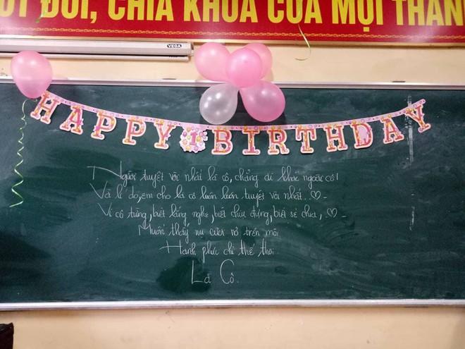 Học sinh lắm chiêu và món quà sinh nhật kỳ công dành tặng cô giáo chủ nhiệm - Ảnh 2.