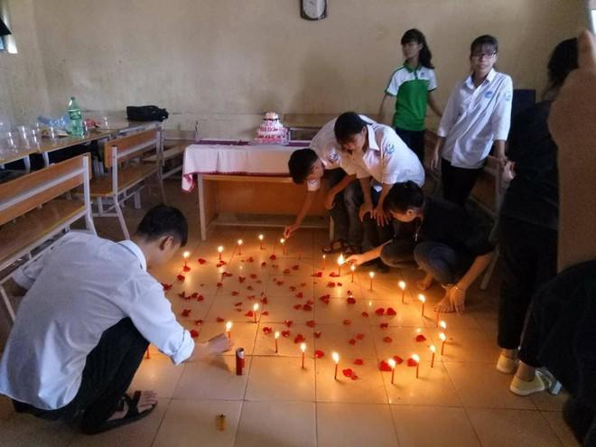 Học sinh lắm chiêu và món quà sinh nhật kỳ công dành tặng cô giáo chủ nhiệm - Ảnh 5.