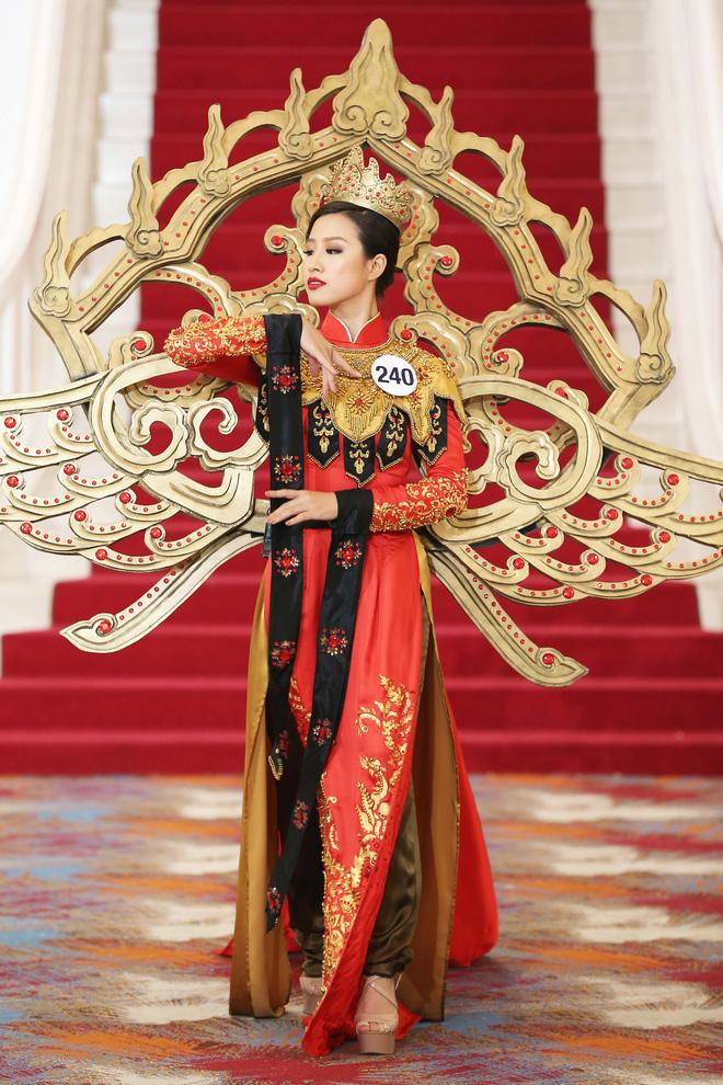 Hoa hậu Hoàn vũ Việt Nam tập 2: Thái độ vô kỷ luật của Mai Ngô gây ức chế - Ảnh 24.