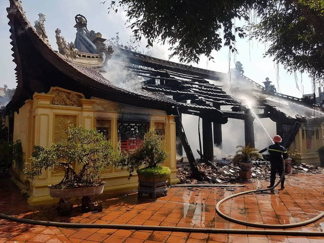Thái Bình: Lửa lớn thiêu rụi ngôi đình được công nhận di tích cấp Quốc gia - Ảnh 4.