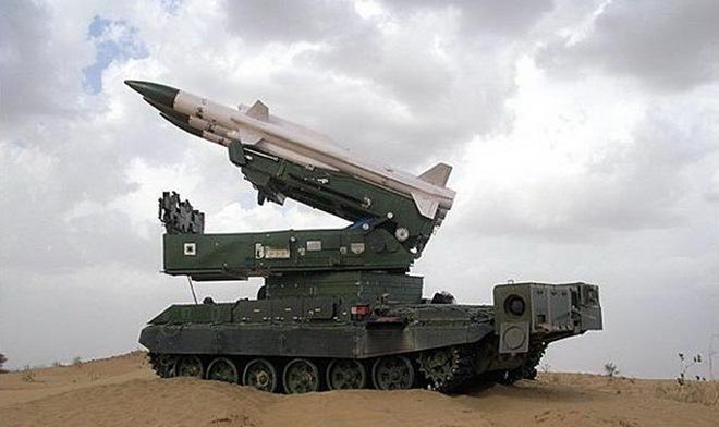 Tên lửa Akash tạo Vòm sắt che đầu cho xe tăng T-90MS Việt Nam? - Ảnh 1.
