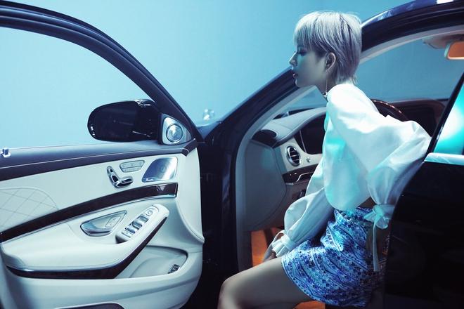 """Trịnh Thăng Bình tiếp tục """"đốn tim"""" fan với hình ảnh cực ngầu bên siêu xe 4"""