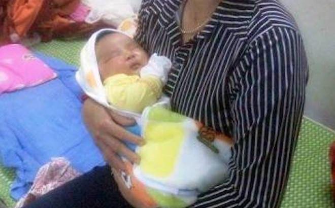 Hi hữu: Một sản phụ ở Nghệ An sinh bé trai nặng 6,1kg
