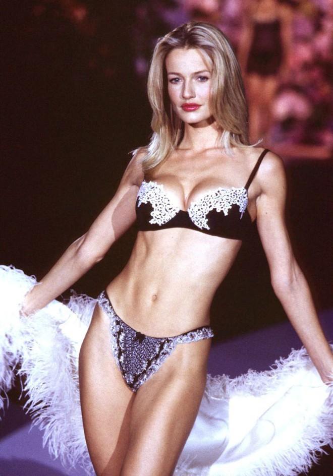 Cuộc đời bi kịch của cựu thiên thần Victoria's Secret: Nhiều lần bị cưỡng bức - Ảnh 3.