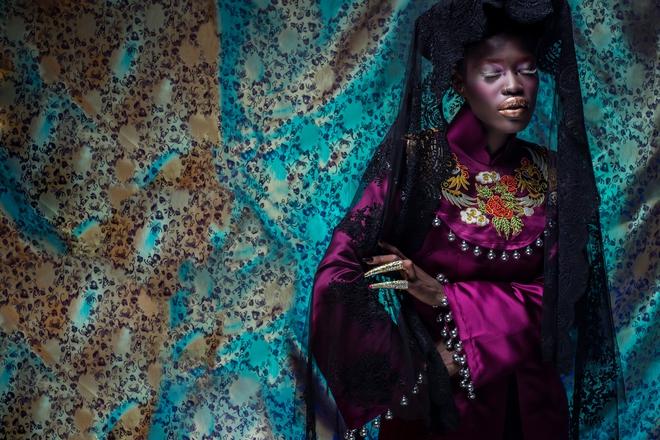 Người mẫu Châu Phi gây ấn tượng mạnh với áo dài Việt - Ảnh 7.