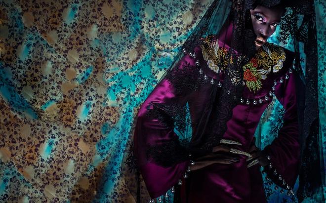 """""""Nực cười"""" trước hành động chê bai người mẫu châu Phi mặc áo dài Việt"""