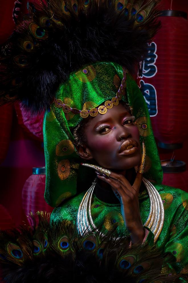 Người mẫu Châu Phi gây ấn tượng mạnh với áo dài Việt - Ảnh 3.