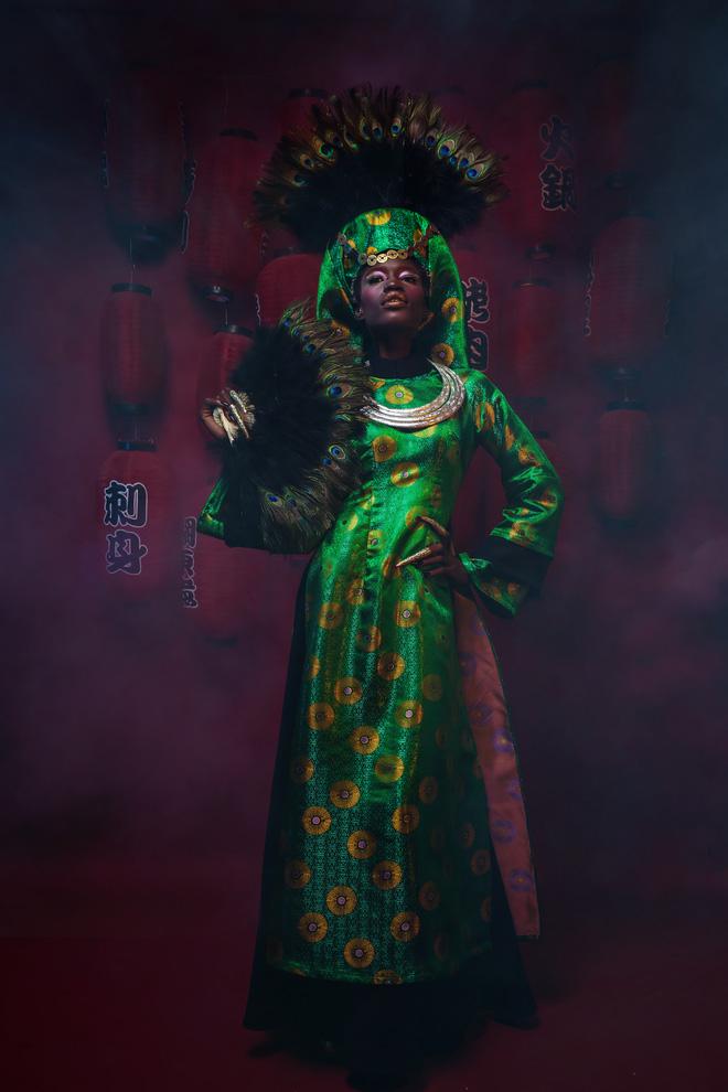 Người mẫu Châu Phi gây ấn tượng mạnh với áo dài Việt - Ảnh 1.