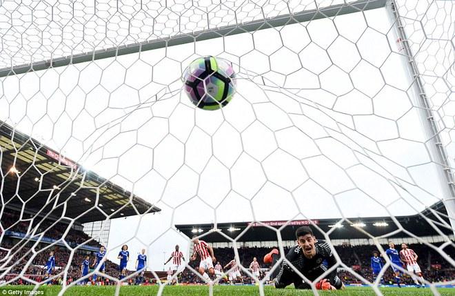 Chelsea lấy đủ 3 điểm, tiến sát đến ngôi vô địch - Ảnh 3.