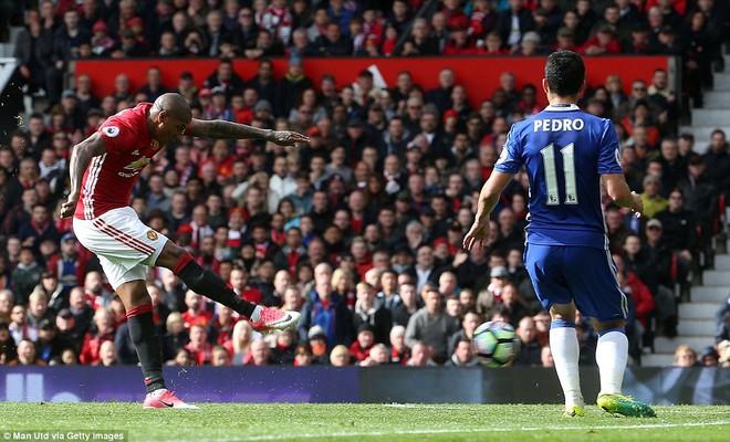 Tự phế võ công để chơi đòn quyết tử, Man United xé tan Chelsea trên Old Trafford - Ảnh 12.
