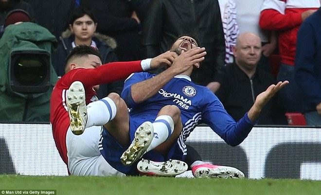 Tự phế võ công để chơi đòn quyết tử, Man United xé tan Chelsea trên Old Trafford - Ảnh 14.
