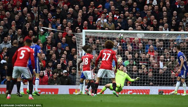 Tự phế võ công để chơi đòn quyết tử, Man United xé tan Chelsea trên Old Trafford - Ảnh 22.