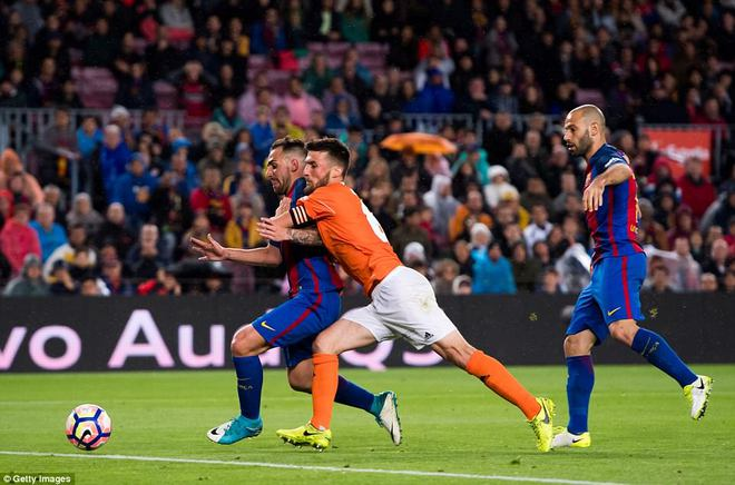 Barca thách thức, Real đáp lời bằng 2 trận cầu vùi dập 13