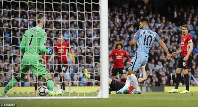 """""""Sống sót"""" sau derby Manchester, Quỷ đỏ thở phào nhẹ nhõm - Ảnh 4"""