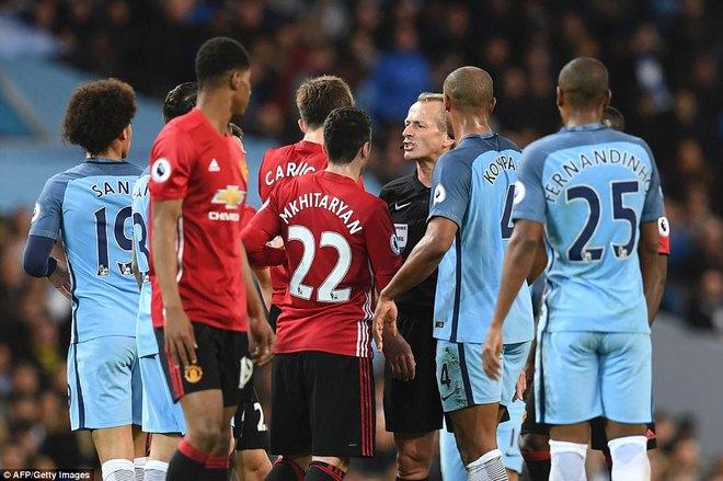 """""""Sống sót"""" sau derby Manchester, Quỷ đỏ thở phào nhẹ nhõm - Ảnh 8"""
