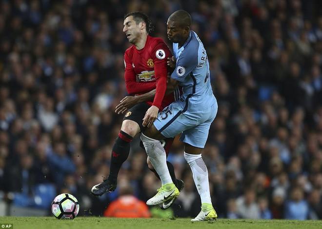 """""""Sống sót"""" sau derby Manchester, Quỷ đỏ thở phào nhẹ nhõm - Ảnh 14"""