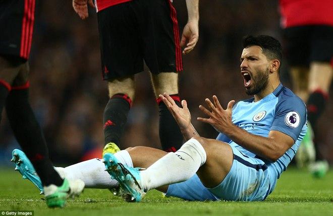 """""""Sống sót"""" sau derby Manchester, Quỷ đỏ thở phào nhẹ nhõm - Ảnh 21"""