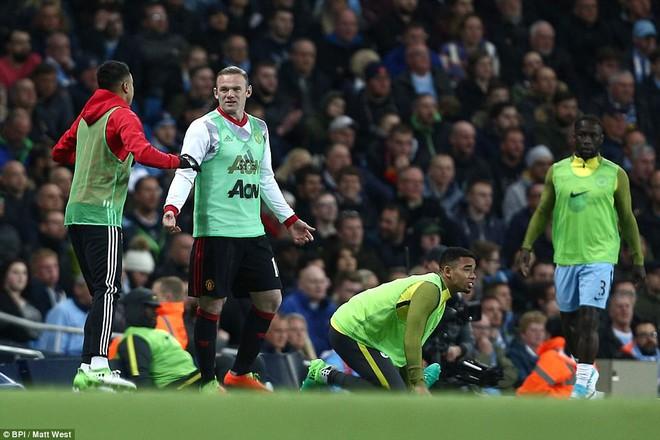 """""""Sống sót"""" sau derby Manchester, Quỷ đỏ thở phào nhẹ nhõm - Ảnh 22"""
