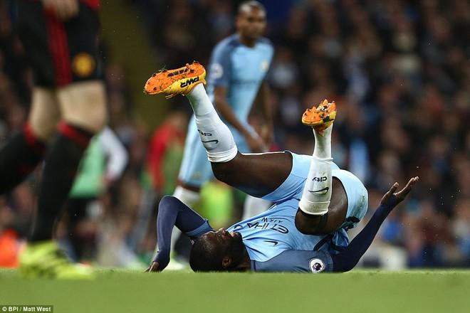 """""""Sống sót"""" sau derby Manchester, Quỷ đỏ thở phào nhẹ nhõm - Ảnh 23"""