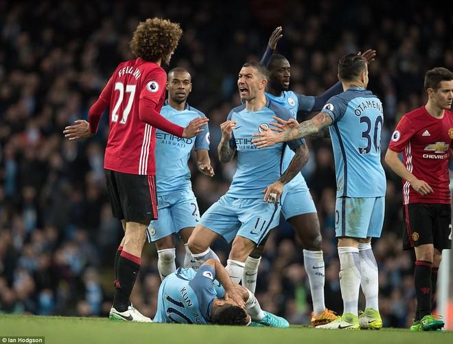 """""""Sống sót"""" sau derby Manchester, Quỷ đỏ thở phào nhẹ nhõm - Ảnh 24"""