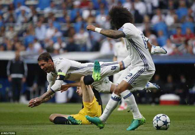 Không cần đá lượt về nữa, bởi Ronaldo đã đặt chỗ cho Real Madrid ở chung kết - Ảnh 6