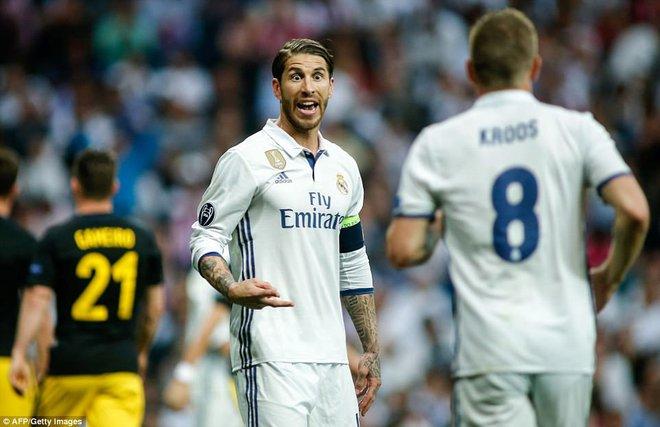 Không cần đá lượt về nữa, bởi Ronaldo đã đặt chỗ cho Real Madrid ở chung kết - Ảnh 17