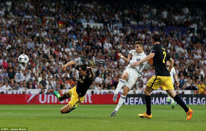 Không cần đá lượt về nữa, bởi Ronaldo đã đặt chỗ cho Real Madrid ở chung kết - Ảnh 22