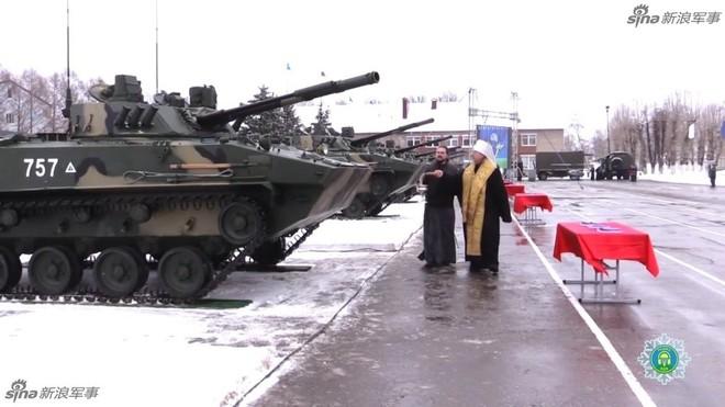 Đặc sắc nghi lễ ban phước cho vũ khí của Quân đội Nga - Ảnh 3.