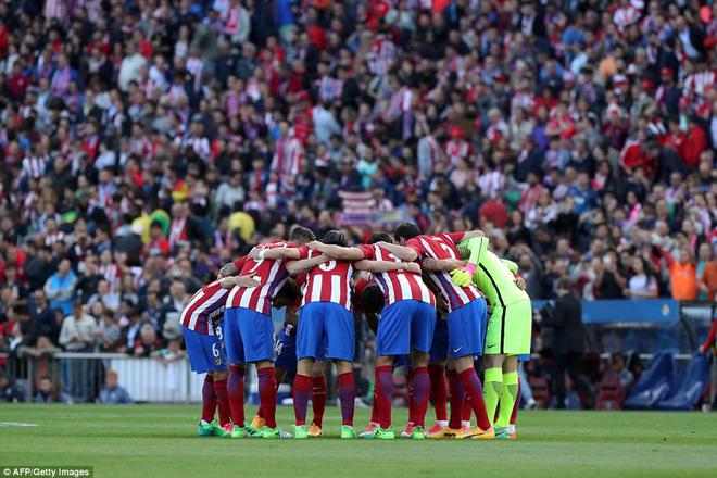 Vicente Calderon gầm vang trong ngày Real Madrid toát mồ hôi lạnh - Ảnh 5