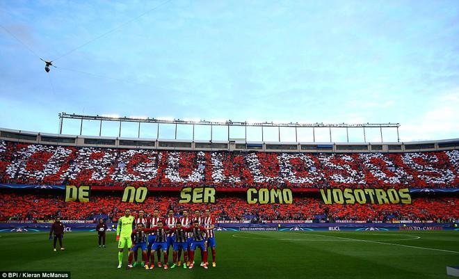 Vicente Calderon gầm vang trong ngày Real Madrid toát mồ hôi lạnh - Ảnh 6