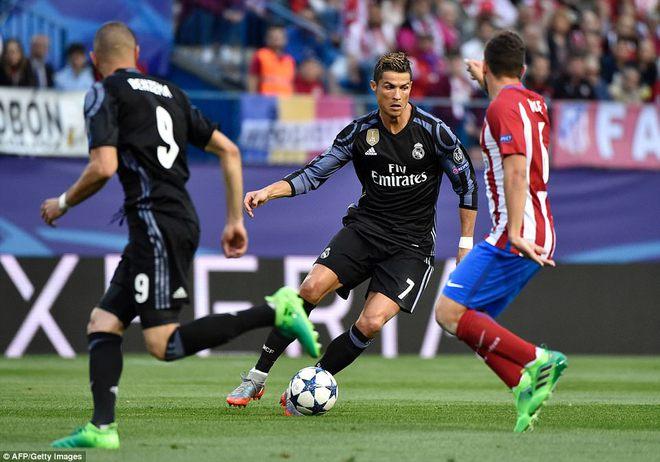 Vicente Calderon gầm vang trong ngày Real Madrid toát mồ hôi lạnh - Ảnh 7