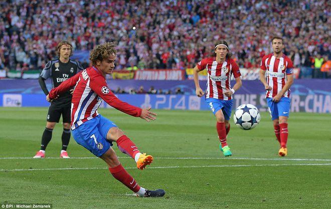 Vicente Calderon gầm vang trong ngày Real Madrid toát mồ hôi lạnh - Ảnh 10
