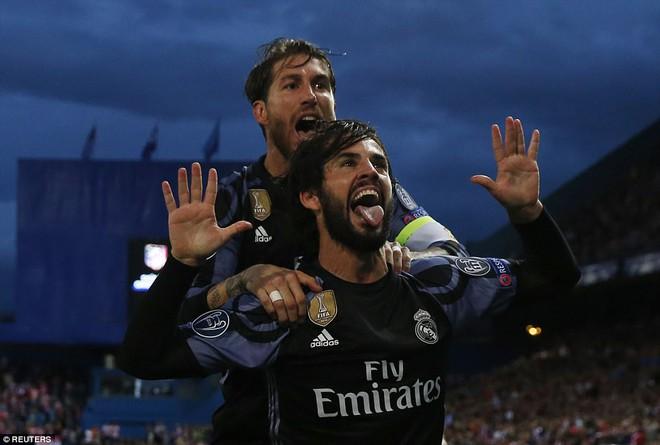 Vicente Calderon gầm vang trong ngày Real Madrid toát mồ hôi lạnh - Ảnh 21