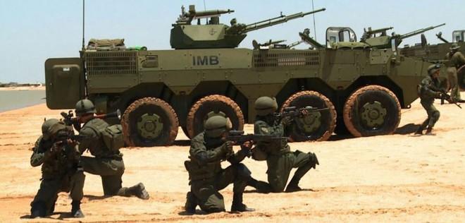 Thái Lan mua hàng chục xe bọc thép Trung Quốc - Ảnh 1.