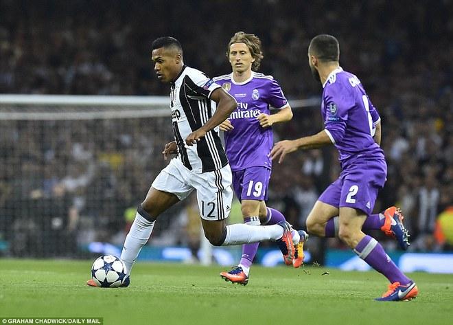 Nằm xuống Juventus, để chứng kiến Ronaldo vĩ đại lên ngôi! 4