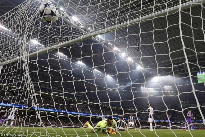 Nằm xuống Juventus, để chứng kiến Ronaldo vĩ đại lên ngôi! 7