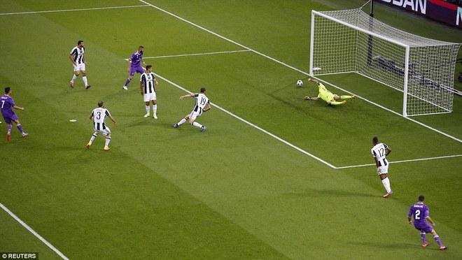 Nằm xuống Juventus, để chứng kiến Ronaldo vĩ đại lên ngôi! 8