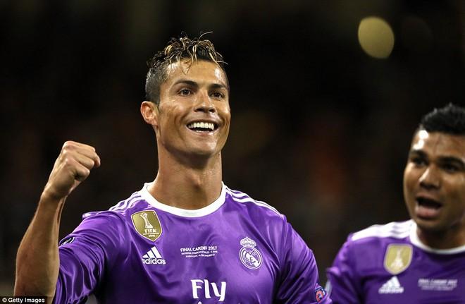 Nằm xuống Juventus, để chứng kiến Ronaldo vĩ đại lên ngôi! 13
