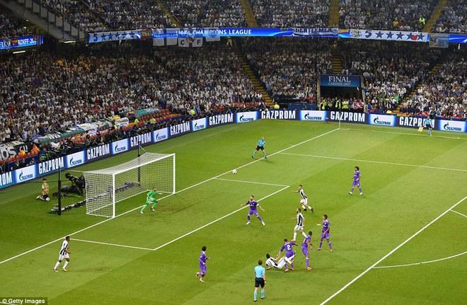 Nằm xuống Juventus, để chứng kiến Ronaldo vĩ đại lên ngôi! 21