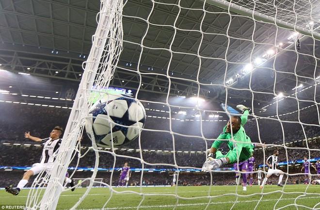 Nằm xuống Juventus, để chứng kiến Ronaldo vĩ đại lên ngôi! 23