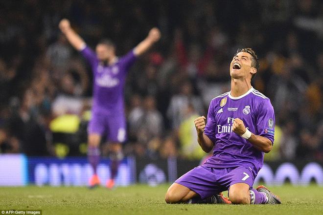 Nằm xuống Juventus, để chứng kiến Ronaldo vĩ đại lên ngôi! 31