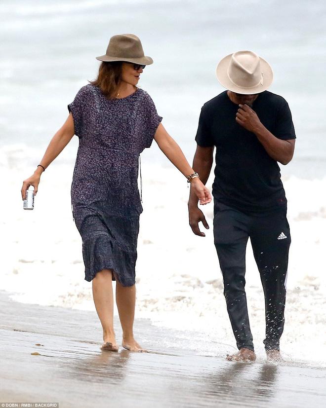 Thoát khỏi hợp đồng kỳ quặc hiệu lực 5 năm, vợ cũ Tom Cruise công khai bạn trai mới  - Ảnh 10.