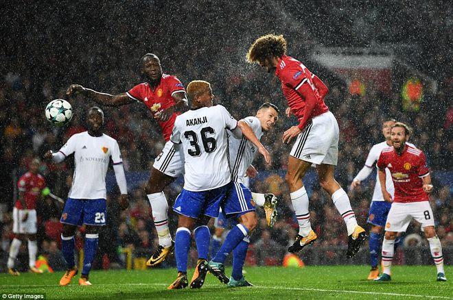 3 truyền thuyết đồng loạt xuất hiện ngày Man United trở lại Champions League - Ảnh 3.